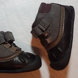 6-9 Months New Carters Every Step Stage 1 Crawling Shoes Size 2